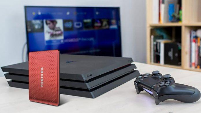 Cómo descargar y almacenar juegos de PS4 en un disco duro externo